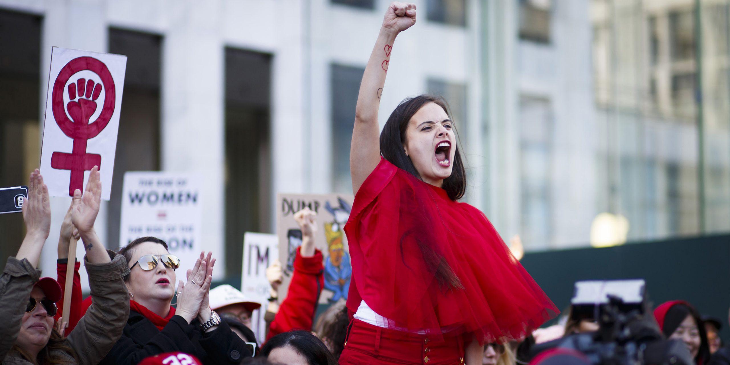 2018'de feminizm en büyük silahını, savunmayı kuşanıyor