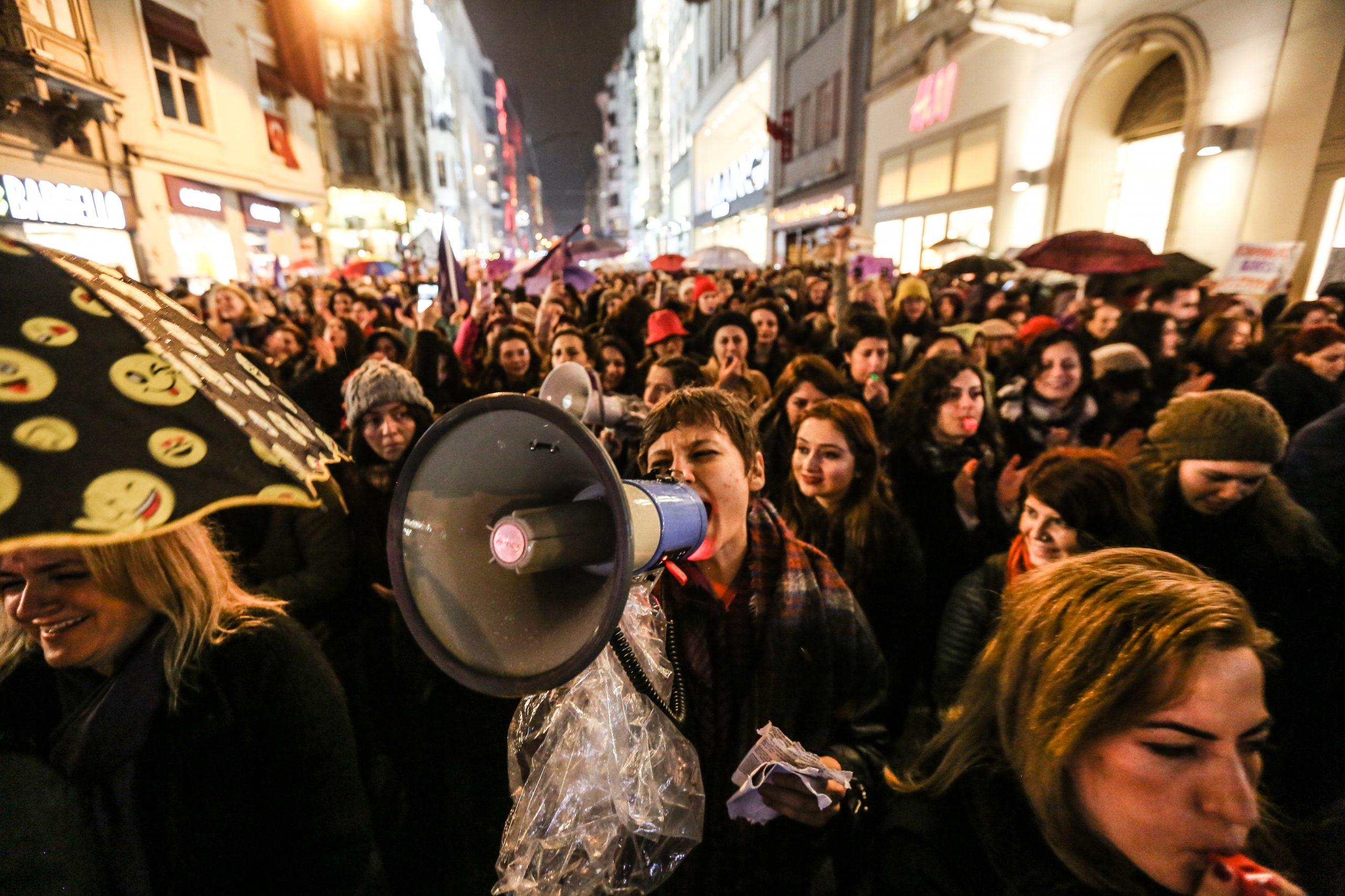 Gerçek hareket, gerçek isyan: Mor İsyan – Mine Melek