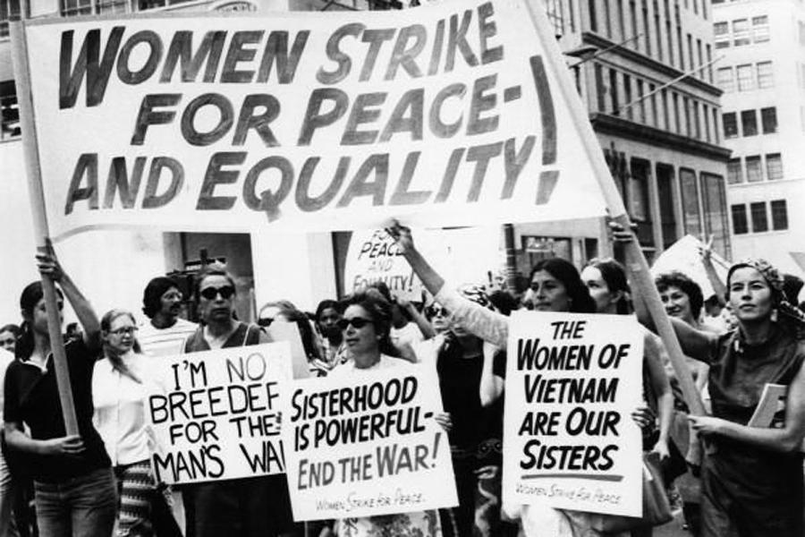 Mücadeledeki kız kardeşler; İzlanda'nın 1975 Kadın Grevi