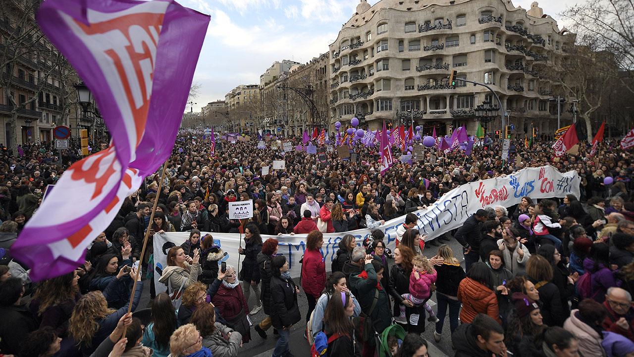 """2018 İspanya Feminist Grevi: """"Biz durunca, dünya durur"""" – Inés Campillo"""