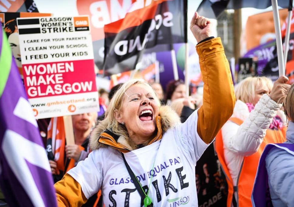 """Glasgow Grevi: Binlerce kadının eşit işe eşit ücret davası kenti """"paydos"""" ettirdi!"""