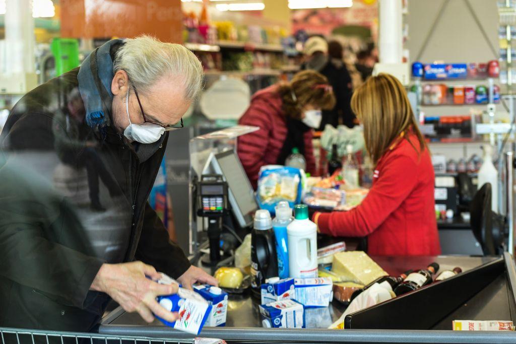 Market çalışanı kadın anlatıyor: İnsan değil robot gibi hissettiriliyoruz – Aysun Gençtanır