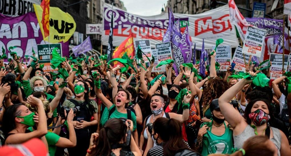 Arjantin'den yükselen Yeşil Dalga'dan tüm dünyayı saracak bir tsunamiye – Tuğçe Özçelik
