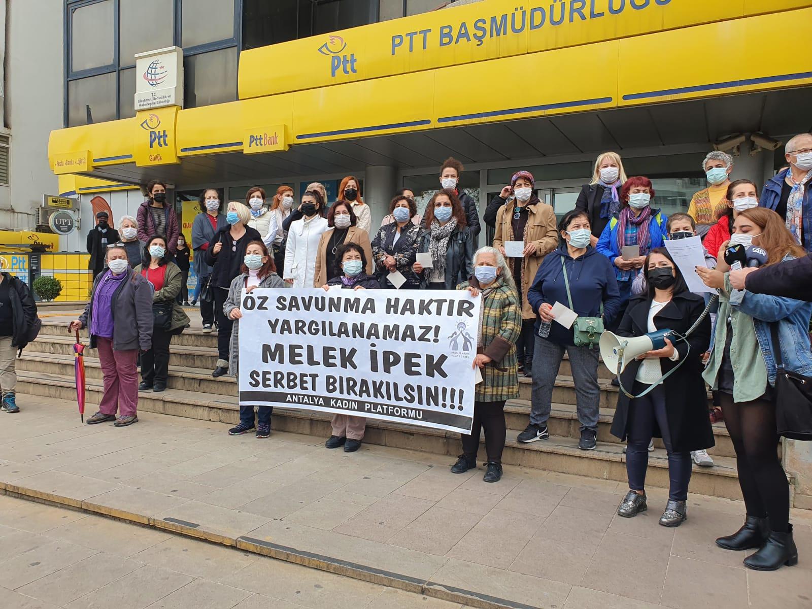 Antalya Kadın Platformu Melek İpek için sokakta: Özsavunma haktır yargılanamaz!