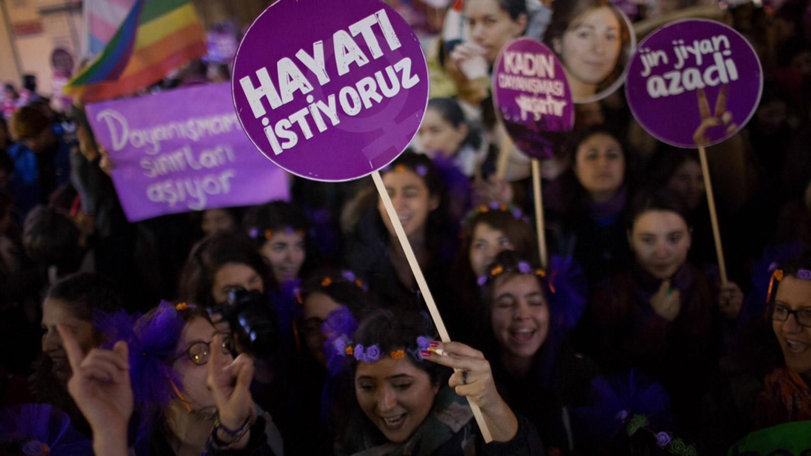 Feminist dalga ile gelecek yıla… – Hülya Osmanağaoğlu
