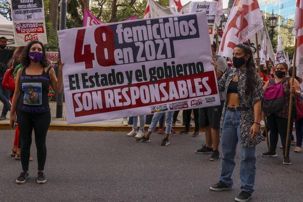 Feminist Grevin Siyasal Yeniliği- Luci Cavallero ve Verónica Gago