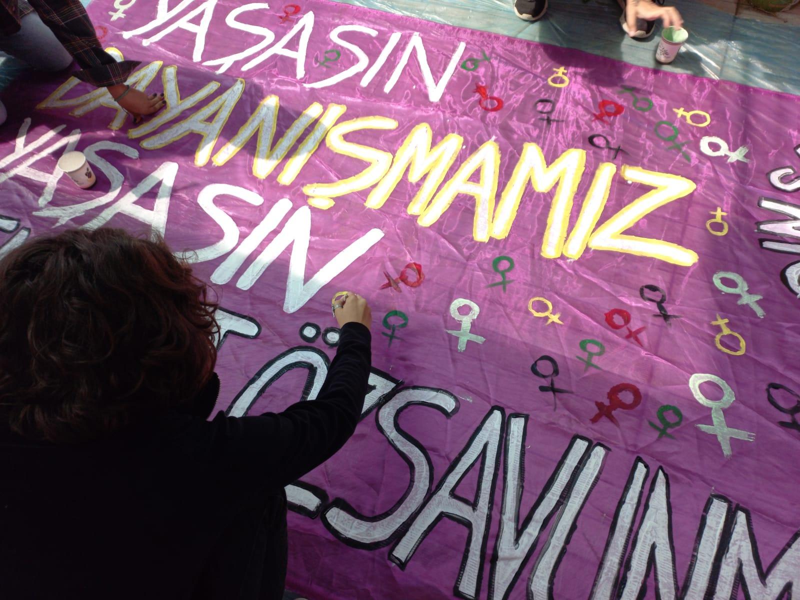 Kadın Savunma Ağı 2021 Çalıştay Sonuç Metni: Yaşasın Dayanışmamız, Yaşasın Feminist Özsavunmamız!